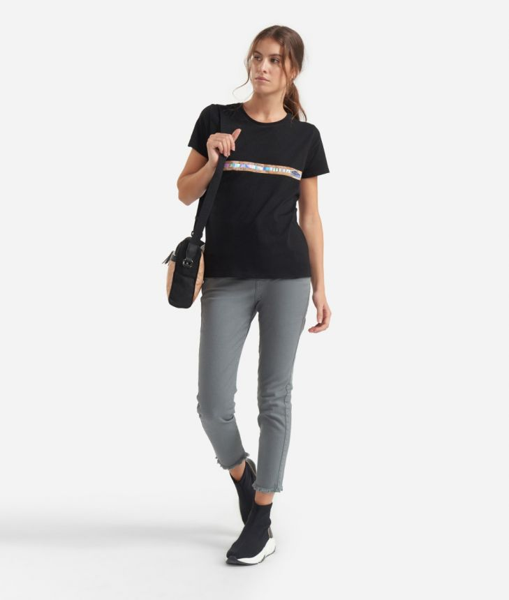 T-shirt with short sleeves in cotton Black,front