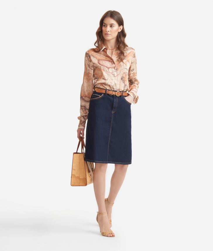 Flowing shirt in twill with Geo Classic print,front