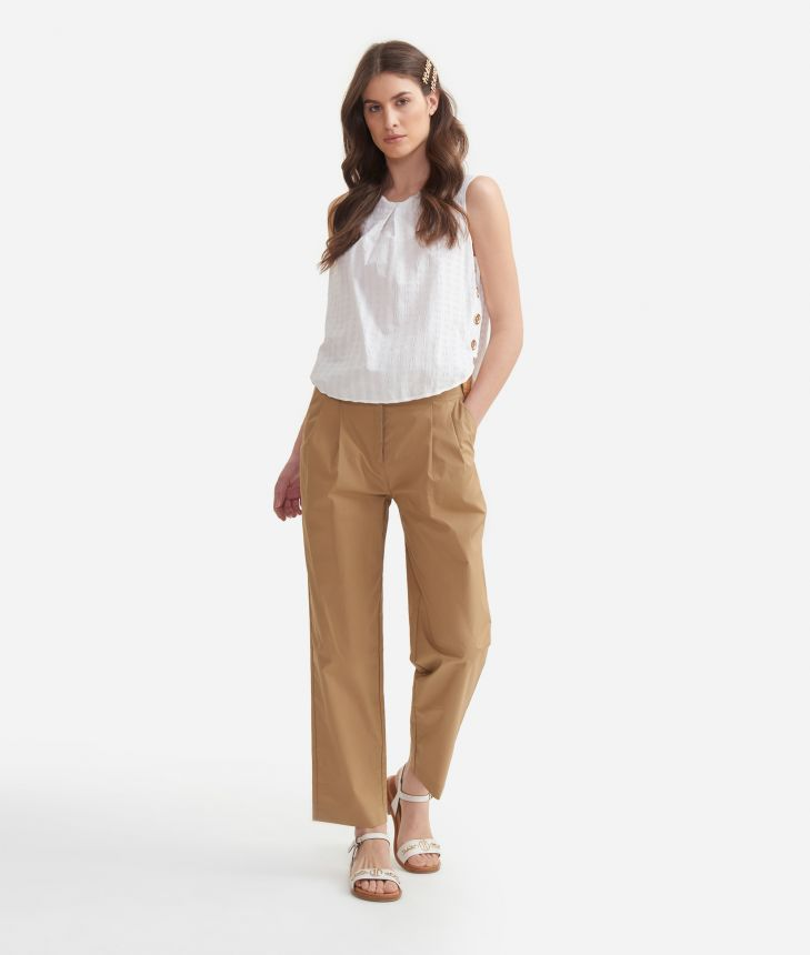 Top with decorative buttons in cotton White,front