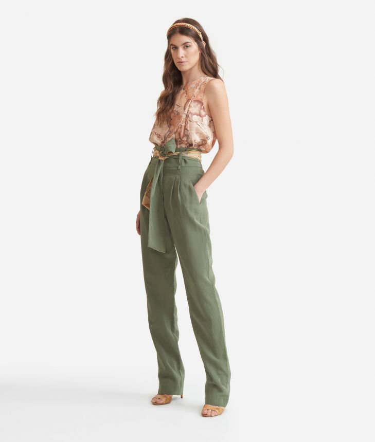 Top in twill with Geo Classic print,front
