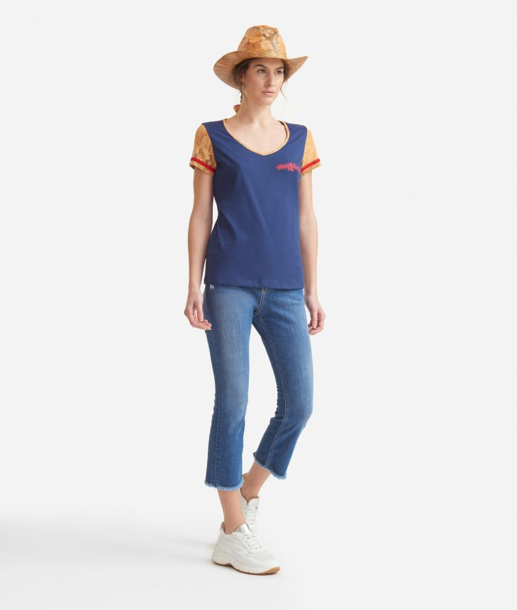 V-neck t-shirt in jersey di cotone Blu,front