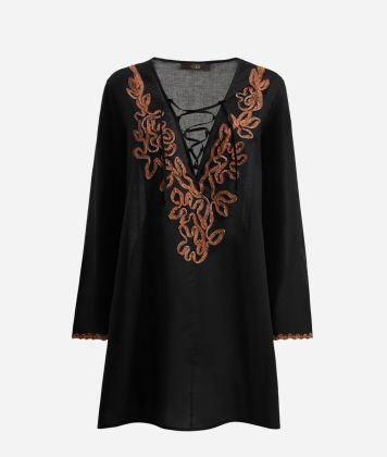 V-neck Kaftan with Geo Classic embrodery details