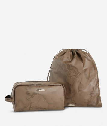 Beauty case and sack set in brown Geo fabric
