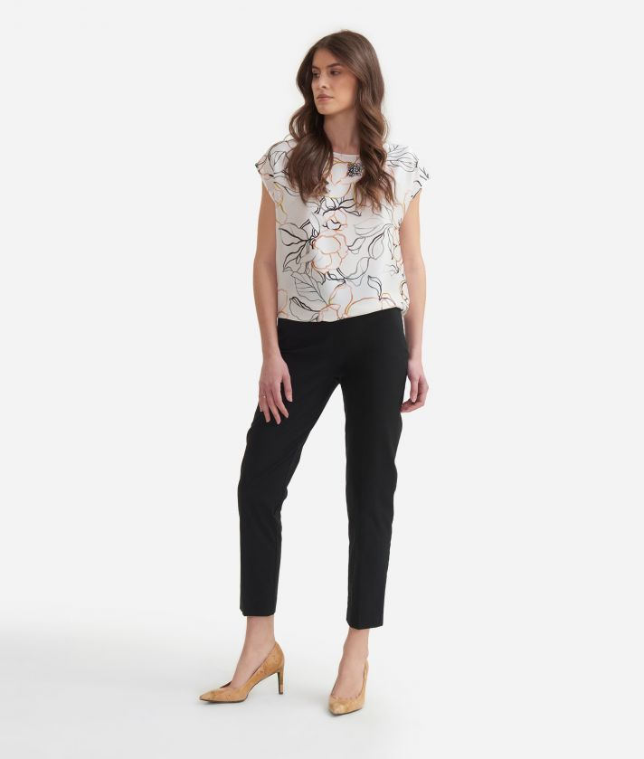 Blouse in twill with maxi flowers print