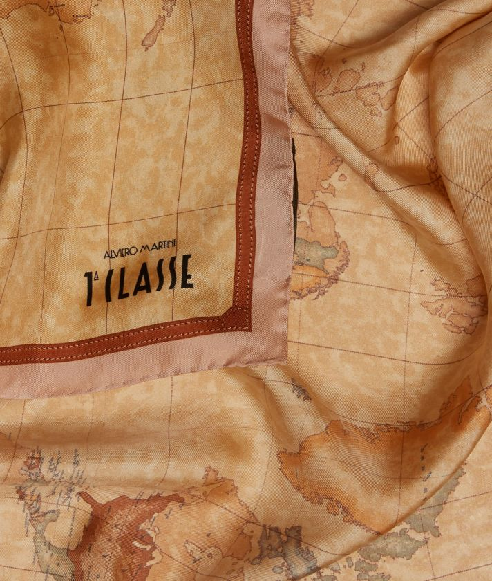 Foulard with Geo Classic print 70 x 70 Pink