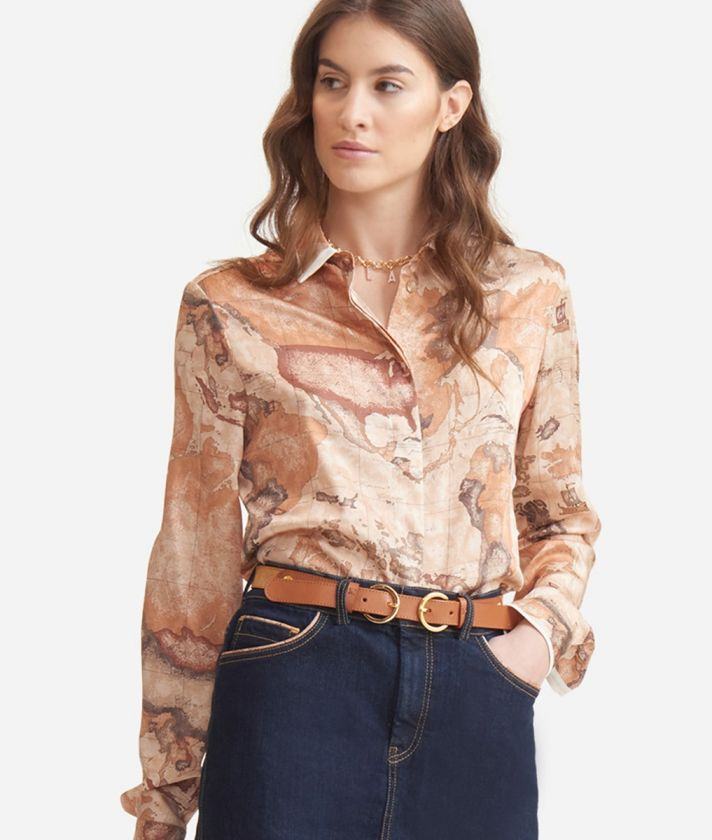 Flowing shirt in twill with Geo Classic print