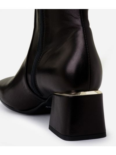 Boots with squared toe in smooth leather Black